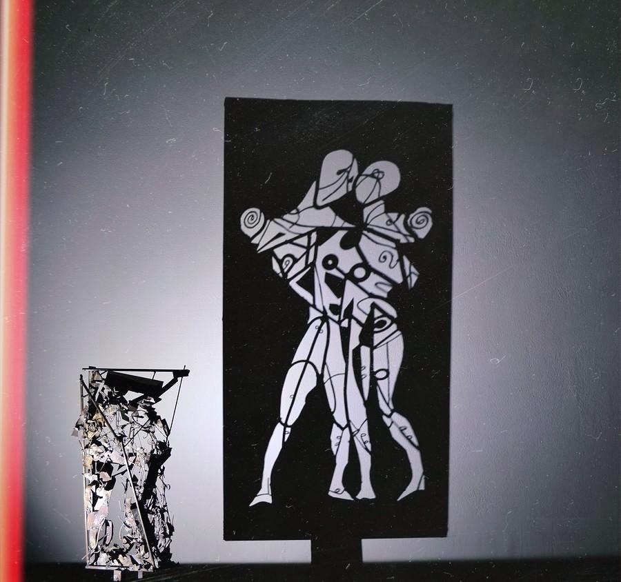 """""""Προσφέρω τις υπηρεσίες του μεσολαβητή μεταξύ φαντασίας και πραγματικότητας!"""": Ο Teodosio Sectio Aurea και η Tέχνη της Σκιάς, από την Ελίζα Σουφλή."""