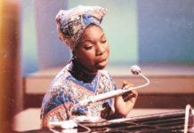 What happened, Miss Simone?, Liz Garbus | Αφιέρωμα στη Nina Simone Tο ντοκιμαντέρ του Netflix σε κάνει να αναρωτιέσαι πόσουπέροχηήταν τελικά αυτή η γυναίκα. Το κορίτσι που γεννήθηκε το 1933 στο Tryo είχε γράψει ιστορία. what happened, Miss Simone κριτική